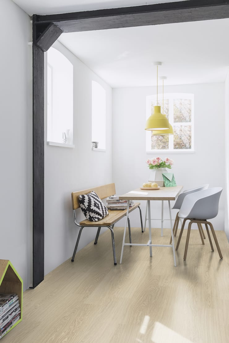 Victoria Oak:  Walls & flooring by Quick-Step
