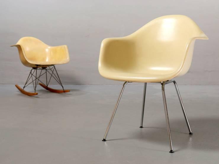 Ray & Charles Eames, Armchair: moderne Esszimmer von frankfurt minimal - feine möblichkeiten