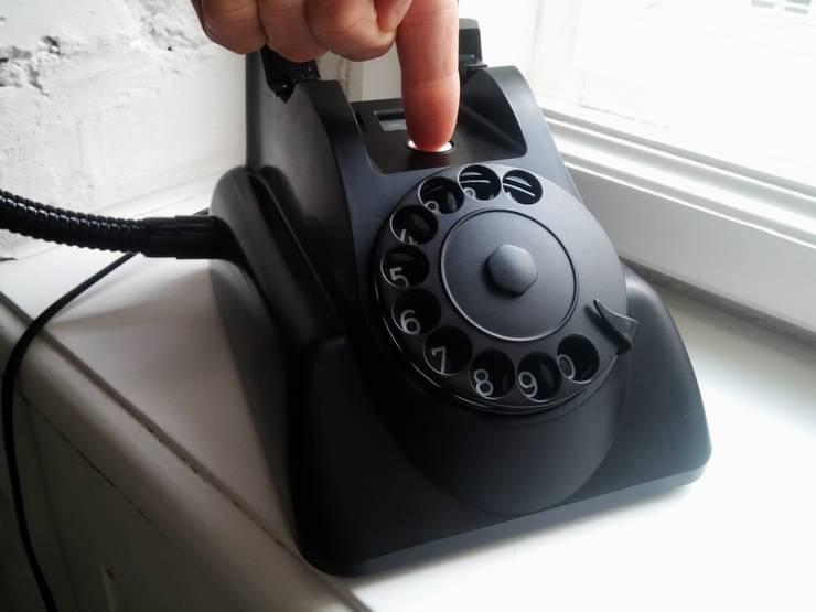 teleLAMPAfon - bLACK Chevy 62': styl , w kategorii  zaprojektowany przez RefreszDizajn,Nowoczesny