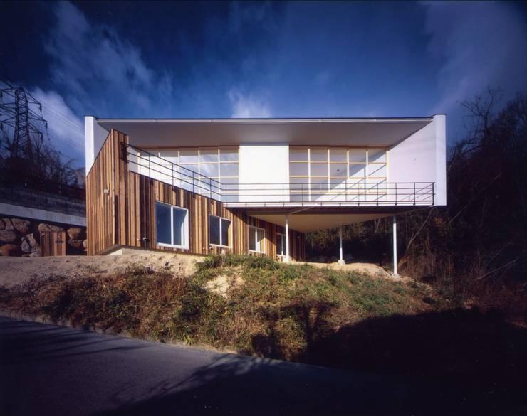 目神山の家 - House of Megamiyama: 林泰介建築研究所が手掛けた家です。