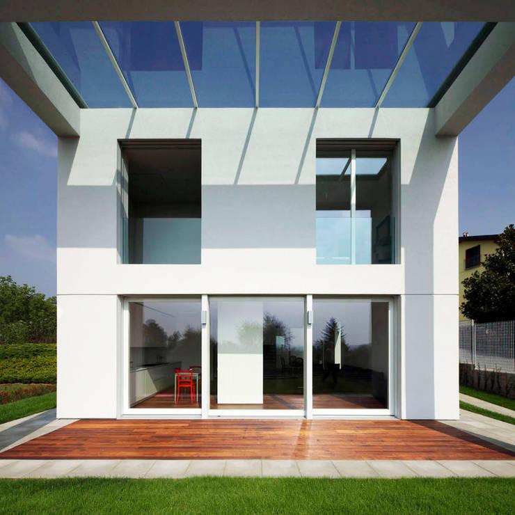 Casa LP: Case in stile  di Studio Gerosa