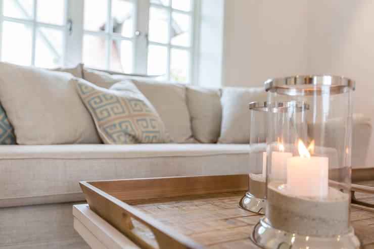 Home Staging Reetdachhaus auf Sylt:  Wohnzimmer von Immofoto-Sylt