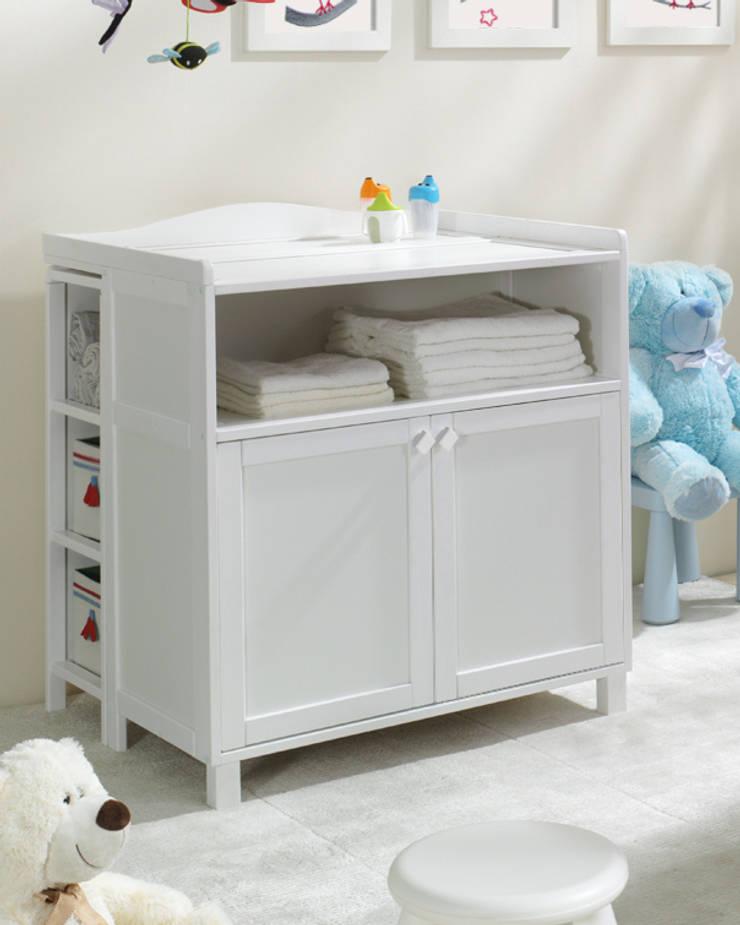 Biała komoda Vintage z przewijakiem: styl , w kategorii Pokój dziecięcy zaprojektowany przez Jedynak Babywelt