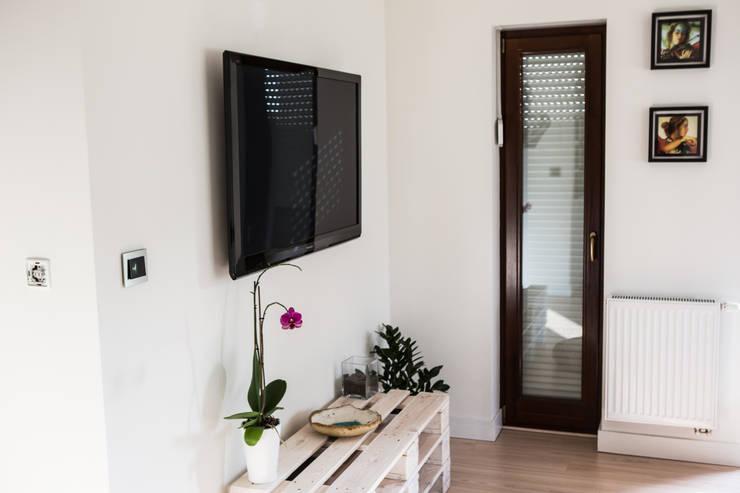 stalowe włączniki OBZOR: styl , w kategorii  zaprojektowany przez ISD POLAND,Nowoczesny