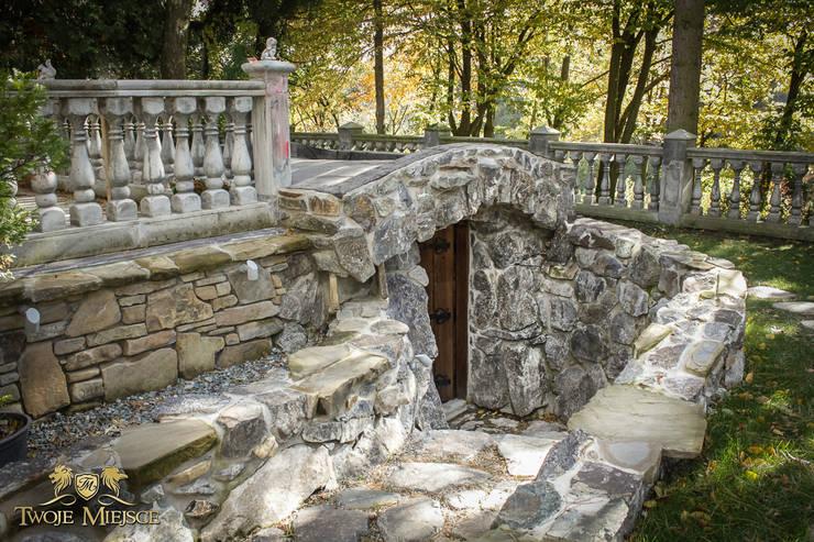 Wejście Do Piwniczki: styl , w kategorii Piwnica win zaprojektowany przez Twoje Miejsce