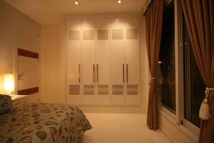 modern Bedroom by FJ Novaes Light Projects