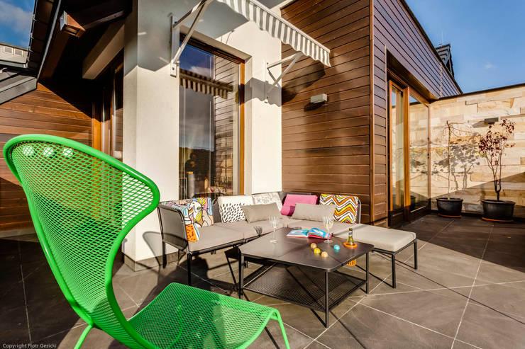 Apartment w Libertowie pod Krakowem: styl , w kategorii Taras zaprojektowany przez Biuro Projektowe Pióro