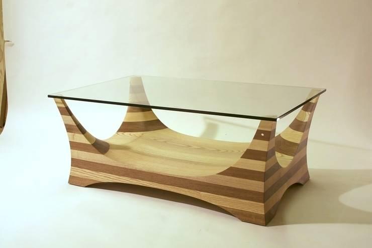 Flint 3 Coffee Table:  Living room by Tom Aylwin