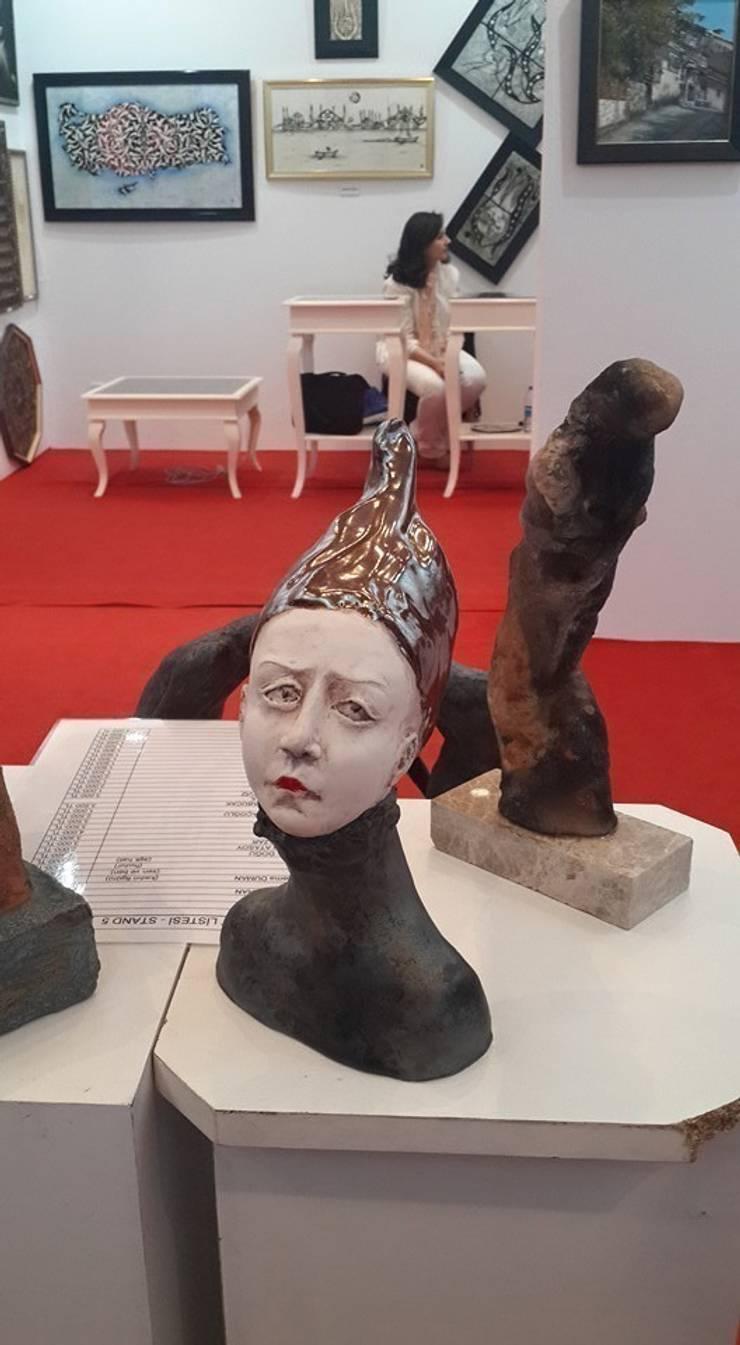 Berna Duman Seramik Atolyesi – Kadın Bust: modern tarz , Modern