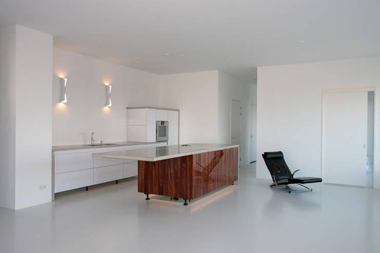 Latex spuiten keuken:   door WandenPlafondSpuiten.nl | latex spuiten | spack spuiten | stucwerk