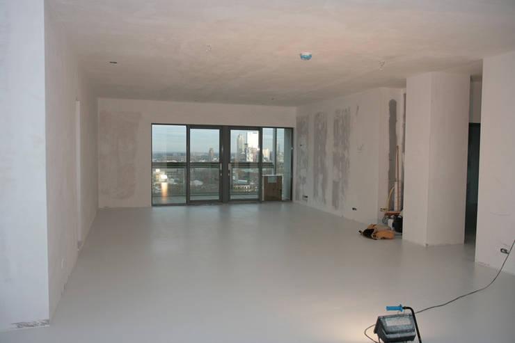 Stucwerk woonkamer | living: modern  door WandenPlafondSpuiten.nl | latex spuiten | spack spuiten | stucwerk, Modern