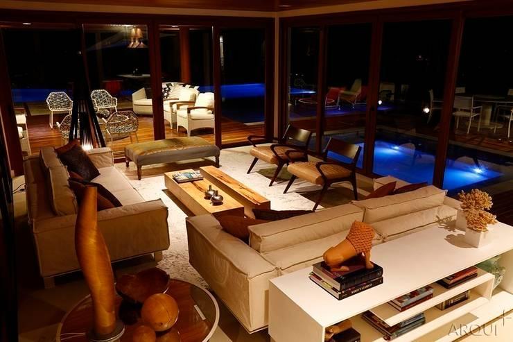 Casa de Praia - Tamandaré-PE: Salas de estar  por Tony Jordão arquitetura e interiores