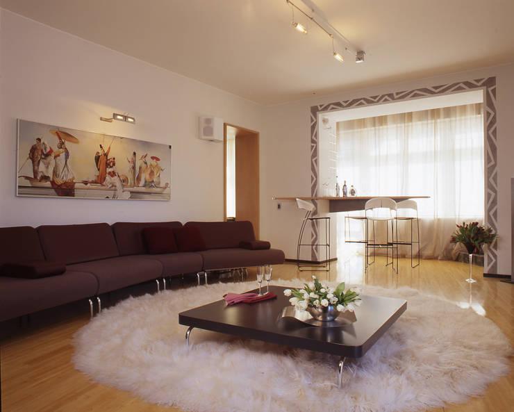Квартира 2002 в Петербурге: Гостиная в . Автор – Format A5 Fontanka, Модерн