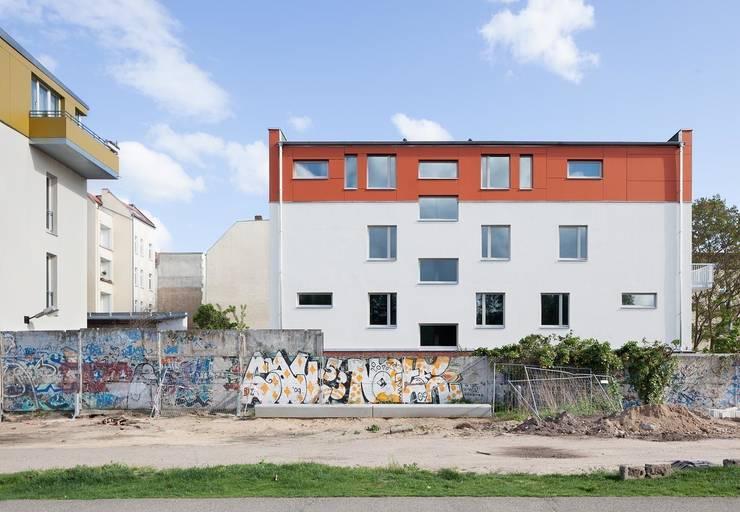 Brunnenstrasse 141 A, 10115 Berlin, Haus an der Mauergedenkstätte:  Häuser von Becker + Hofstätter, Projektsteuerung und Controlling GmbH & Co. KG