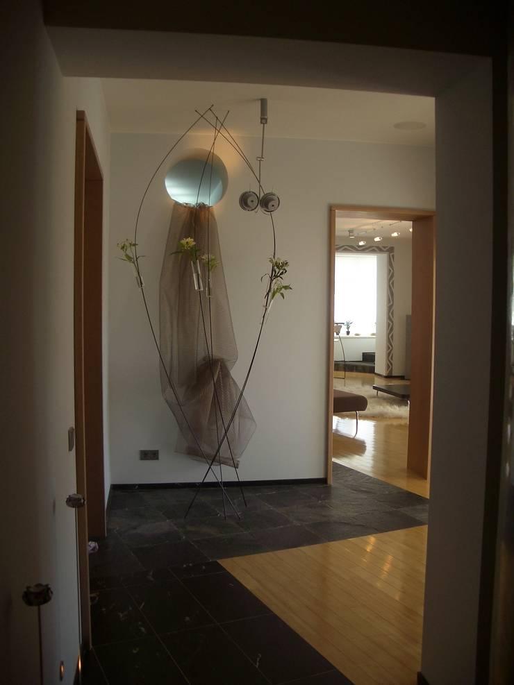 Квартира 2002 в Петербурге: Коридор и прихожая в . Автор – Format A5 Fontanka, Модерн