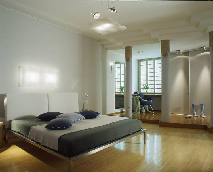 Квартира 2002 в Петербурге: Спальни в . Автор – Format A5 Fontanka, Модерн