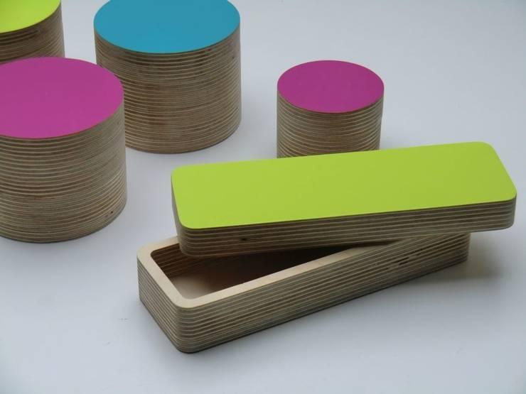 Stiftebox Limetten- Grün: minimalistische Arbeitszimmer von farbdoktor