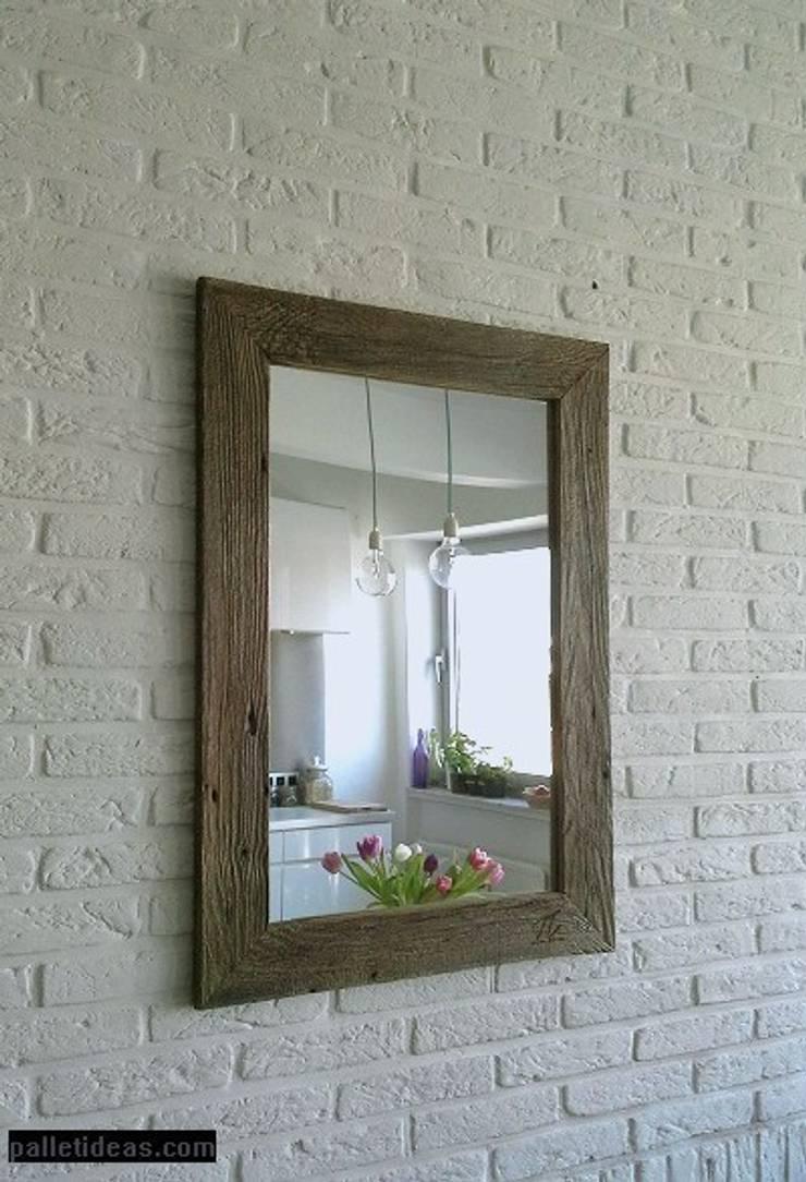 Lustro ze starego drewna: styl , w kategorii Ściany i podłogi zaprojektowany przez Palletideas