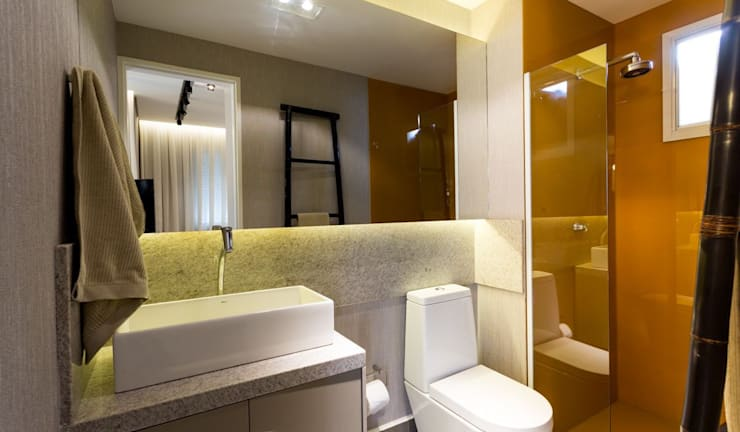 Bathroom by SESSO & DALANEZI
