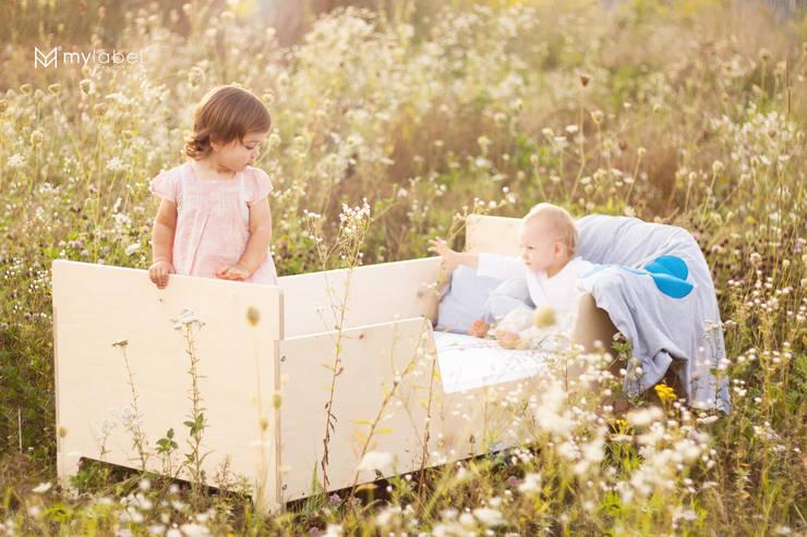 Łóżeczko dziecięce drewniane: styl , w kategorii Pokój dziecięcy zaprojektowany przez My Label