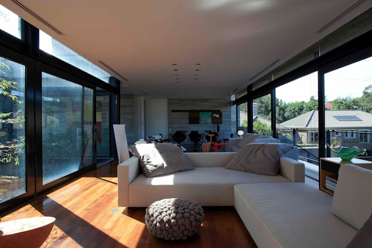 Living room by Marcos Bertoldi, Modern