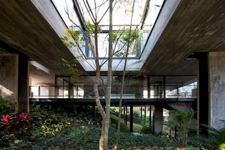 Casa   LM  : Casas  por Marcos Bertoldi