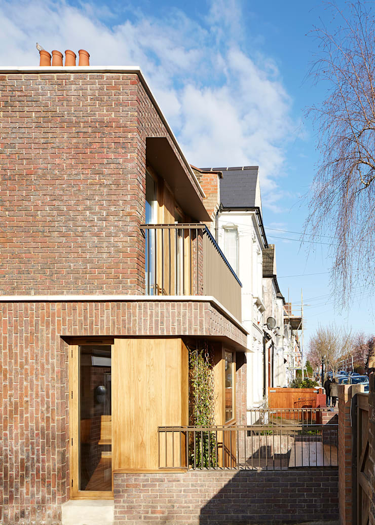 View of balcony and front garden:  Houses by Satish Jassal Architects