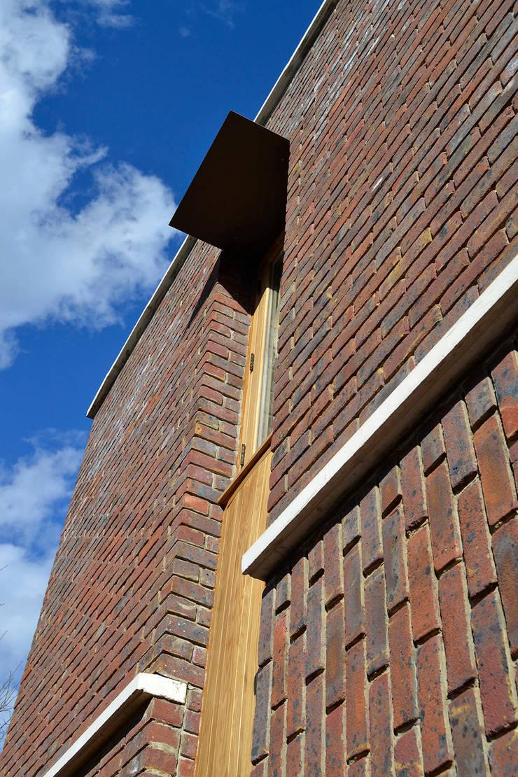 Window and brick bonding detail:  Houses by Satish Jassal Architects