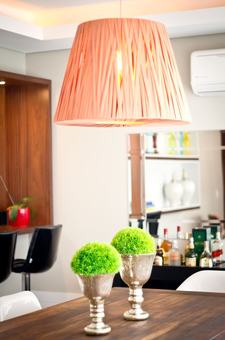 Apartamento Petrópolis – Porto Alegre: Sala de jantar  por Joana & Manoela Arquitetura