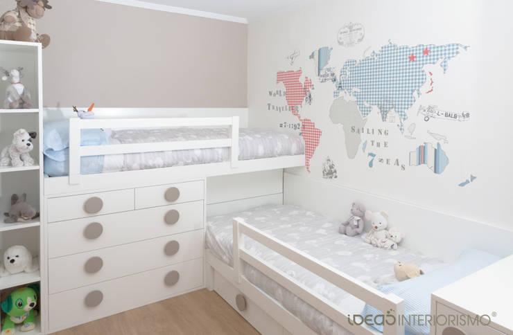 Habitación infantil Nacho y Carlos: Dormitorios infantiles de estilo  de Ideas Interiorismo Exclusivo, SLU