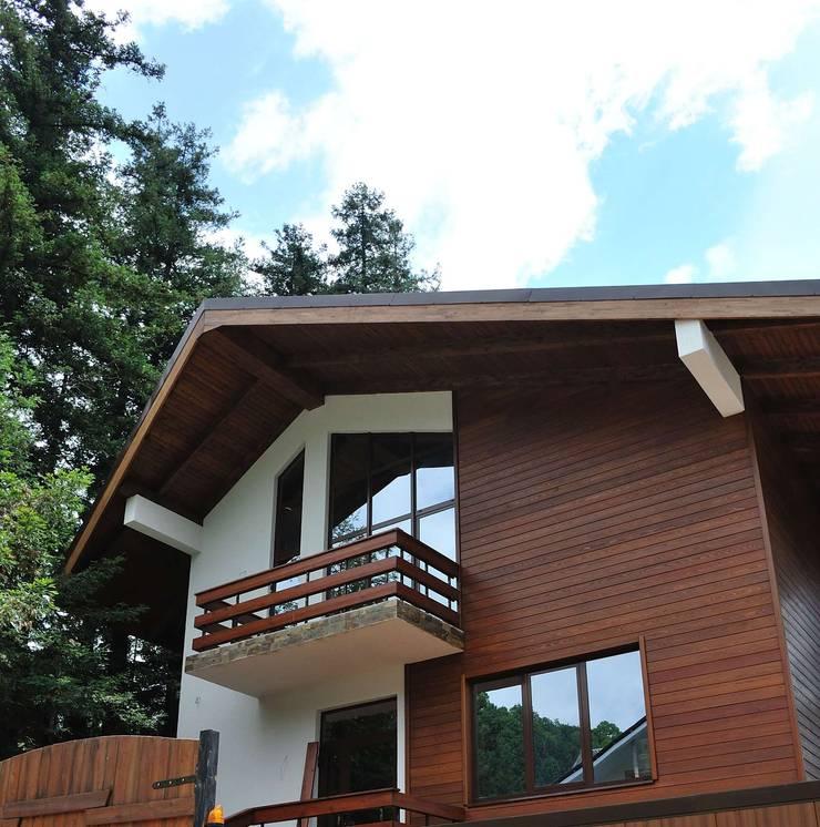 Forest Reflections: Дома в . Автор – Dinastia Designs