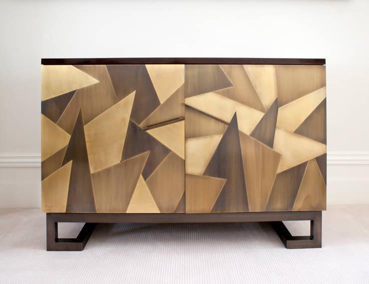 Contemporary Sideboard:  Dining room by Rupert Bevan Ltd