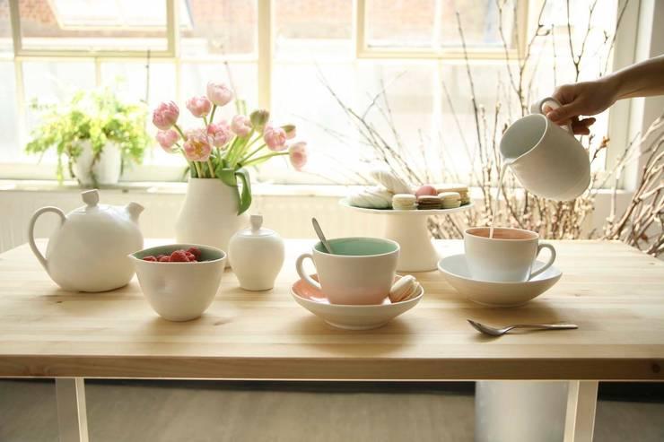 Handmade porcelain tableware:  Dining room by Linda Bloomfield