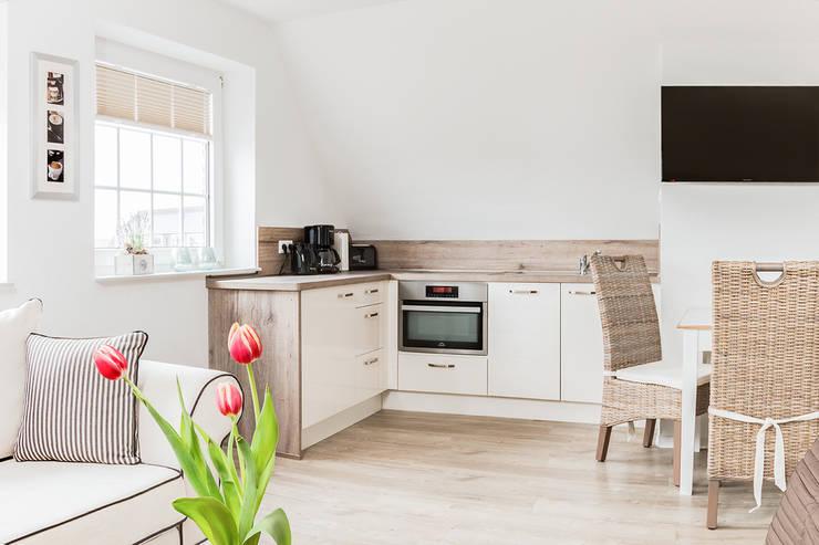 Kochbereich Apartment:  Hotels von Marschland Media & Arts