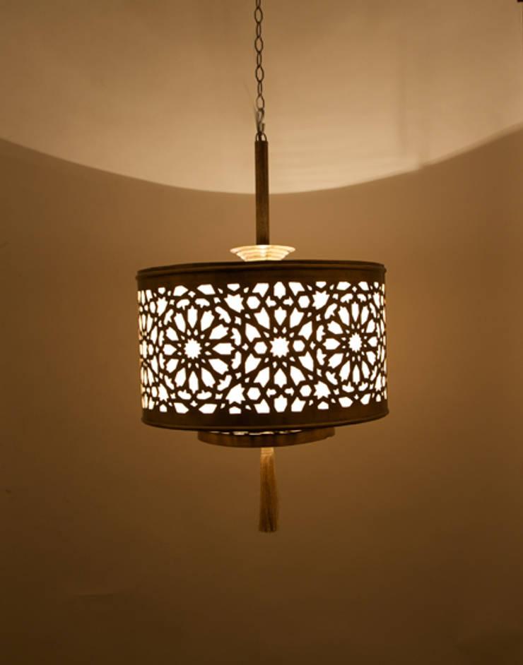 Antique Brass Geometric Pendant lamp/w Parchment and Tassel de Moroccan Bazaar Mediterráneo