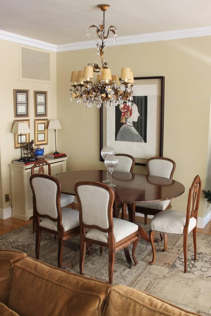 Del trastero al comedor: Restauración de 6 sillas olvidadas:  de estilo  de Dominique Restauración