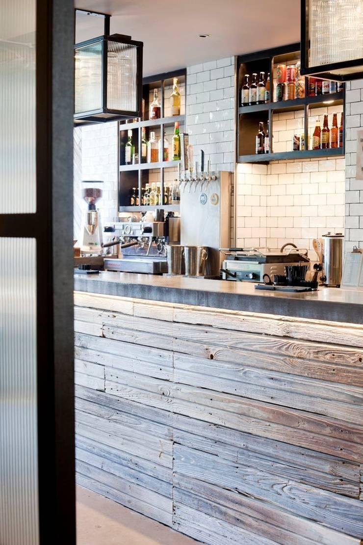 125 Church Street Stoke Newington by Meraki Design Studio:  Bars & clubs by Tramps (UK) Ltd