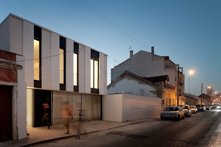 Casa Jarego: Casas de banho  por CVDB Arquitectos