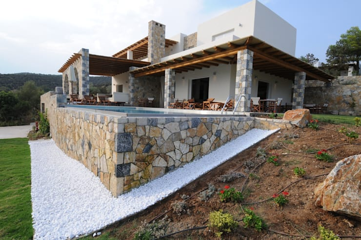 منازل تنفيذ CARLO CHIAPPANI  interior designer