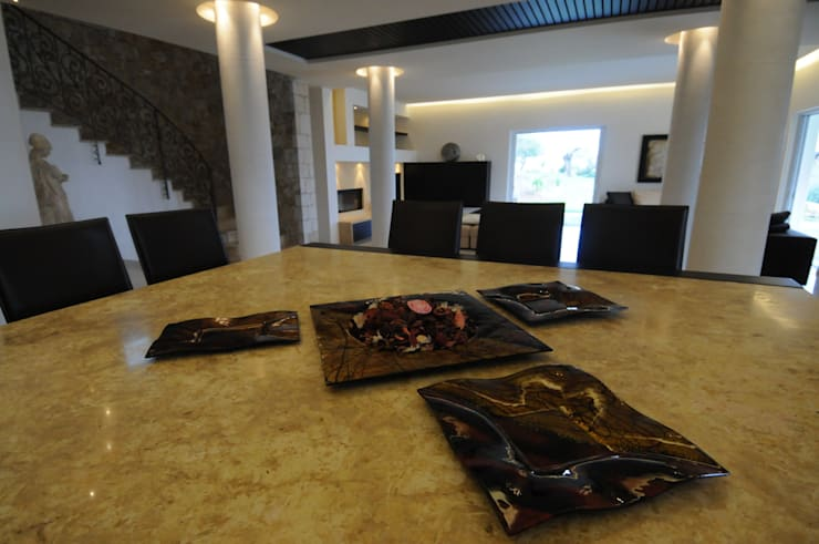 Salas de jantar  por CARLO CHIAPPANI  interior designer
