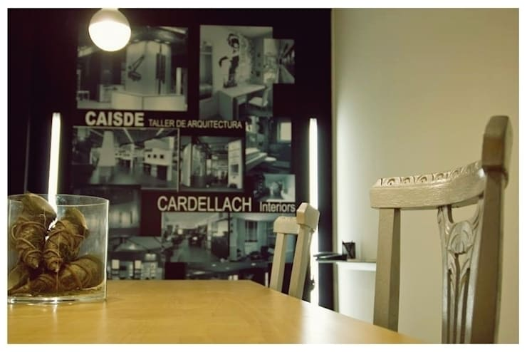 Negro: Estudios y despachos de estilo  de Cardellach Interior & Events