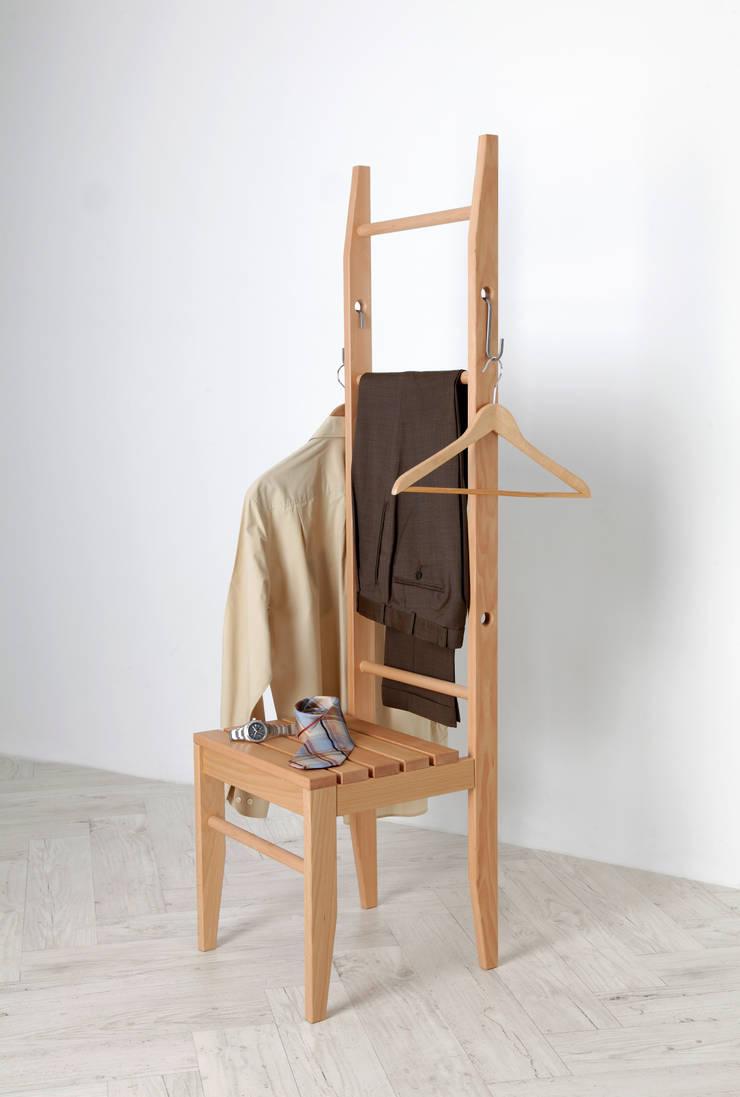 der kleiderstuhl - handgefertigt im deutschen schreinereibetrieb aus