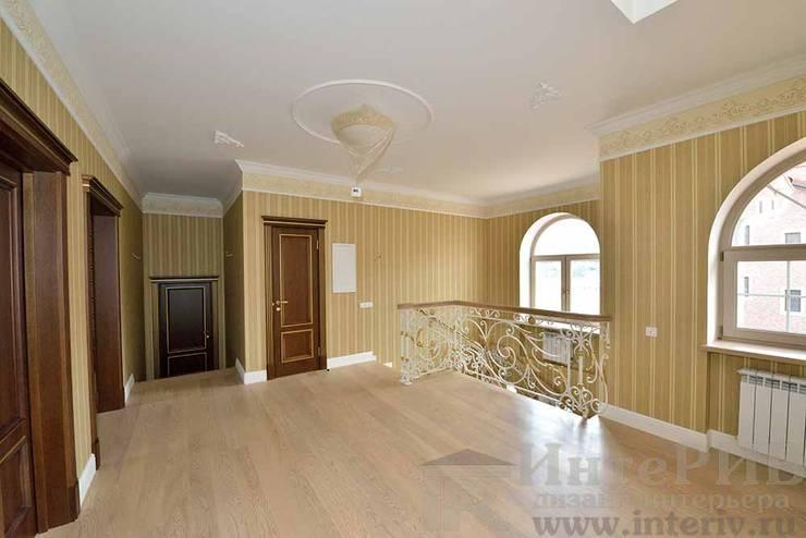 Дизайн-проект интерьера холла (2 этаж).: Коридор и прихожая в . Автор – ИнтеРИВ