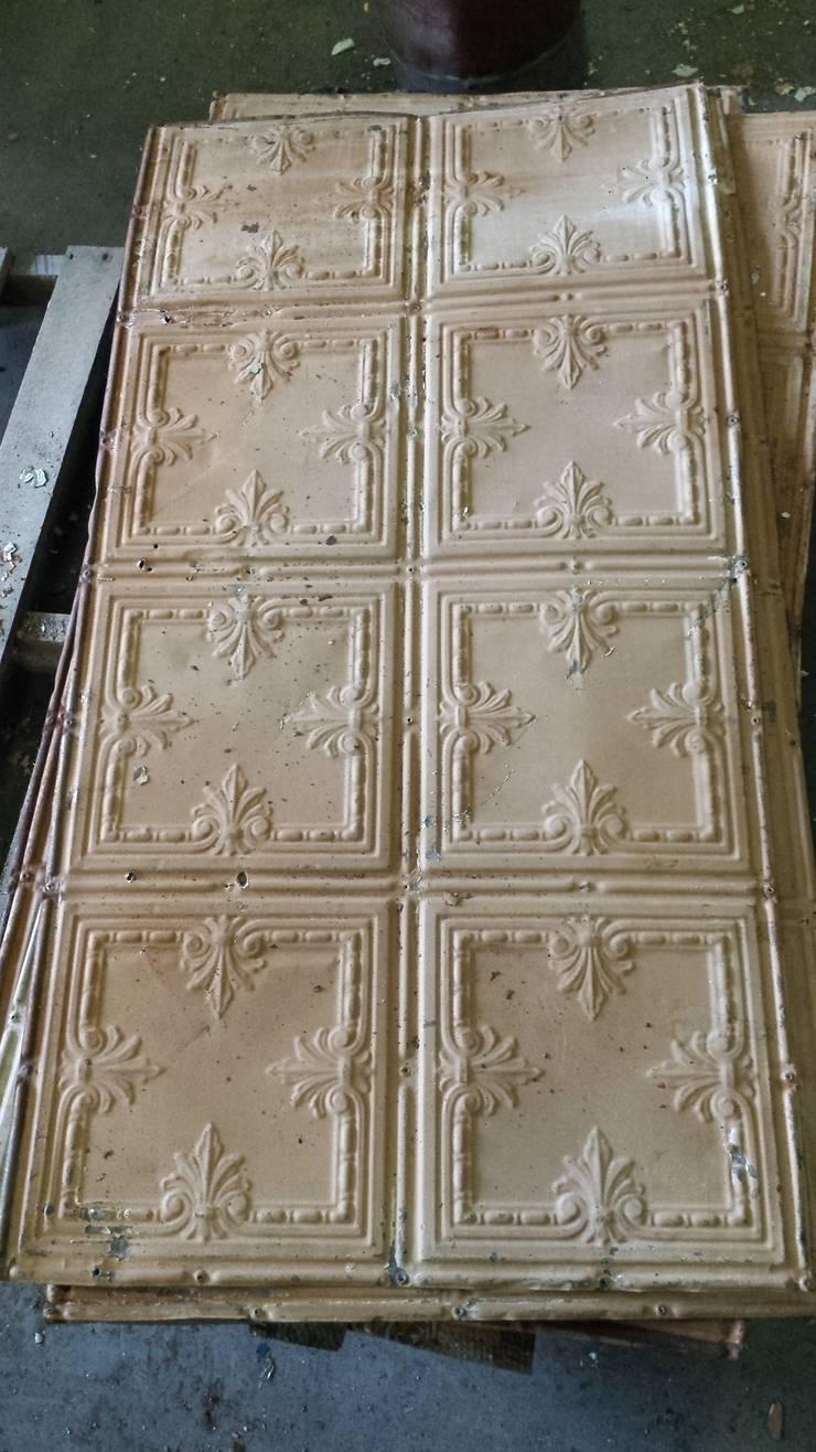Vintage Tin Tile:  Walls & flooring by Tramps (UK) Ltd