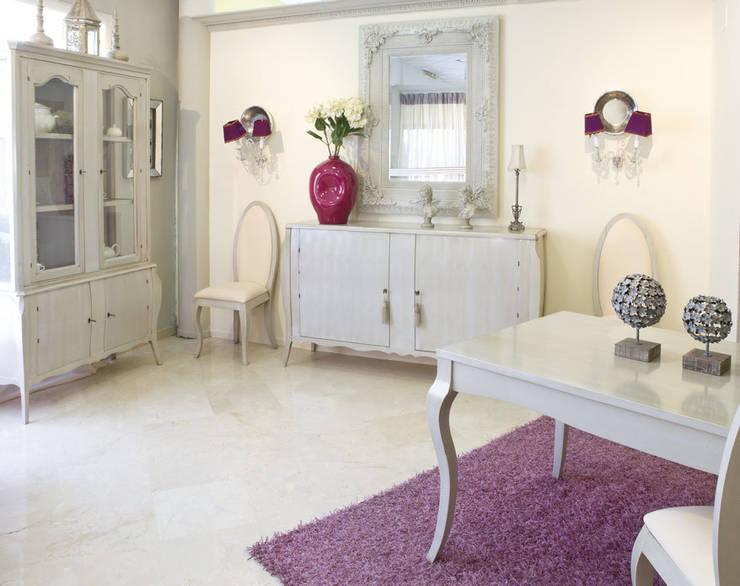 Projekty,  Salon zaprojektowane przez Muebles Sarria