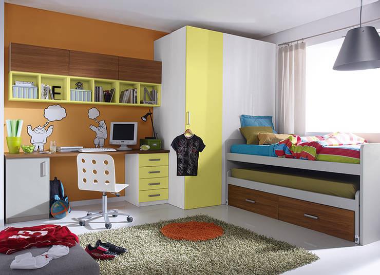 Projekty,  Pokój dziecięcy zaprojektowane przez Muebles Sarria