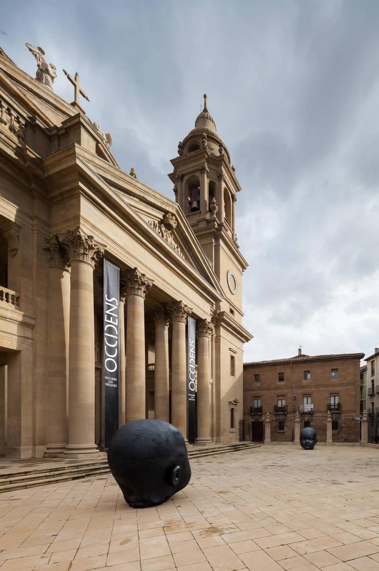 OCCIDENS MUSEUM: Salas multimedia de estilo  de Rubén P. Bescós Architectural Photographer