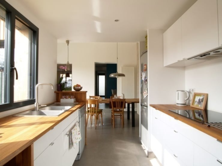 Extension bois cuisine salle à manger: Cuisine de style  par EC architecture