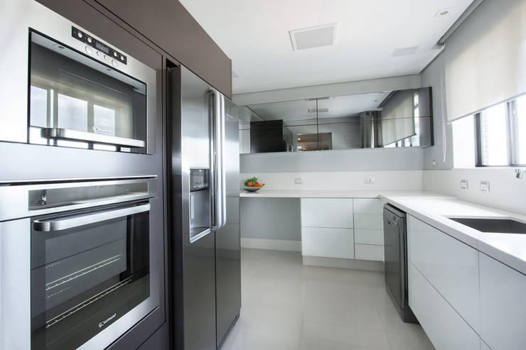 projeto |FT|: Cozinhas  por Camila Bruzamolin - arquitetura