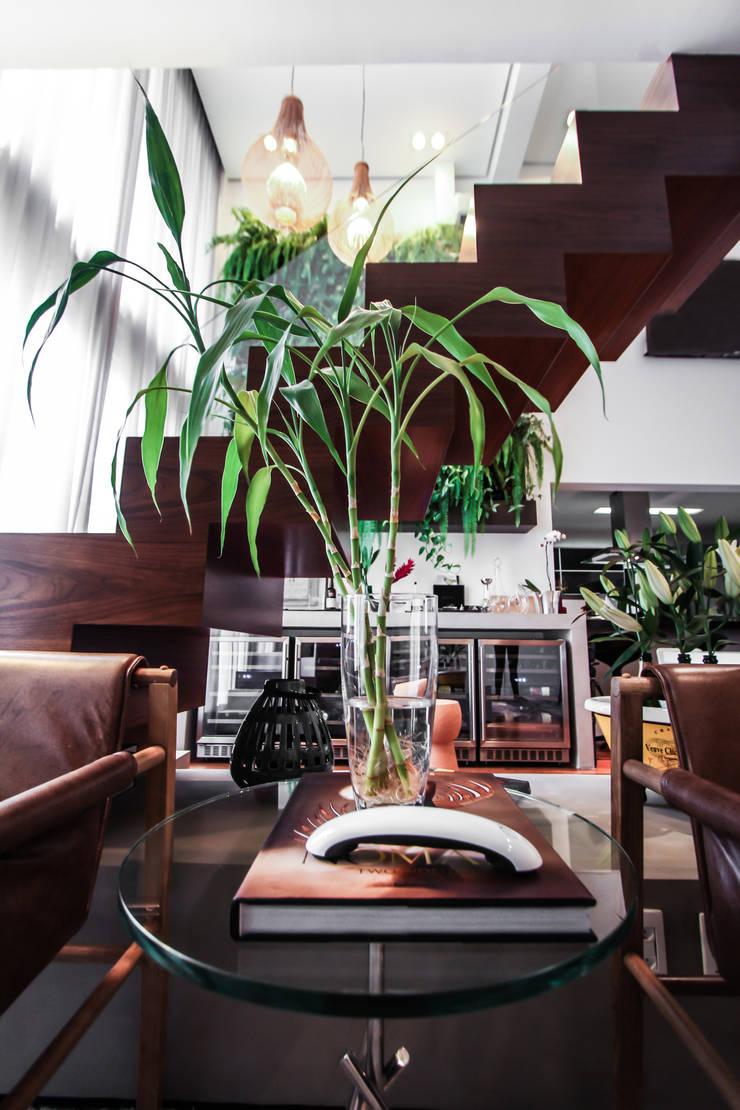 Apartamento Campo Belo: Salas de estar  por SP Estudio